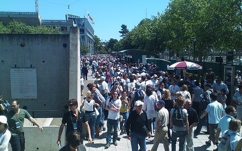 Crowds at Roland Garros 2009