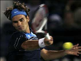 Federer's backhand at impact